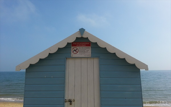 IOW-beach-hut